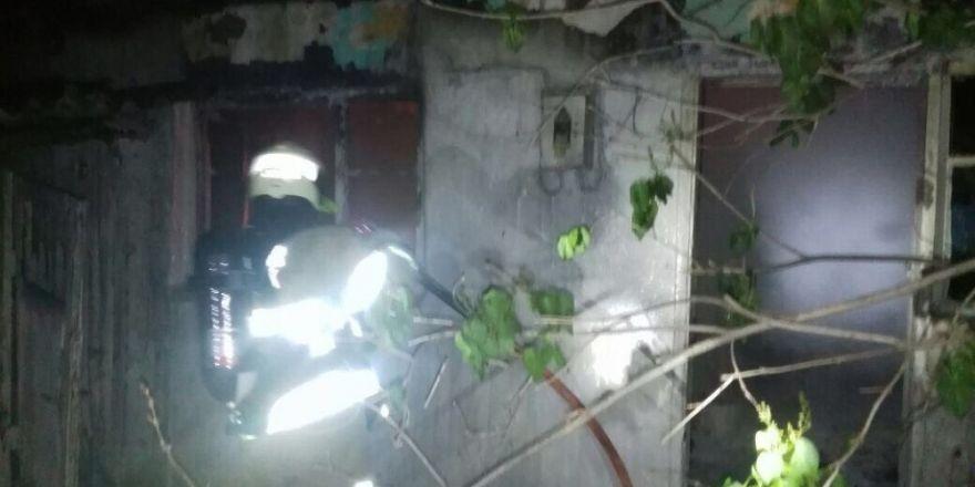 Yangında 8 kişi hastanelik oldu