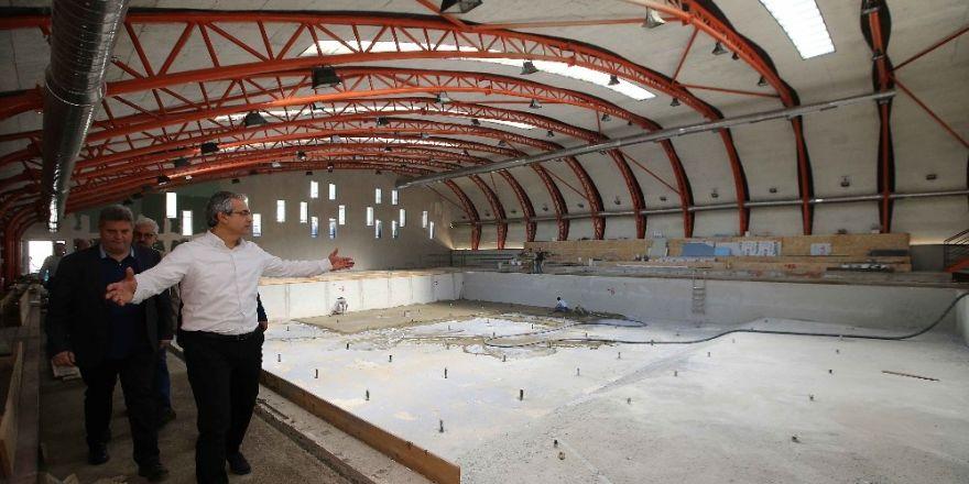 Karşıyaka'nın yüzme tesisi haziran'da açılıyor
