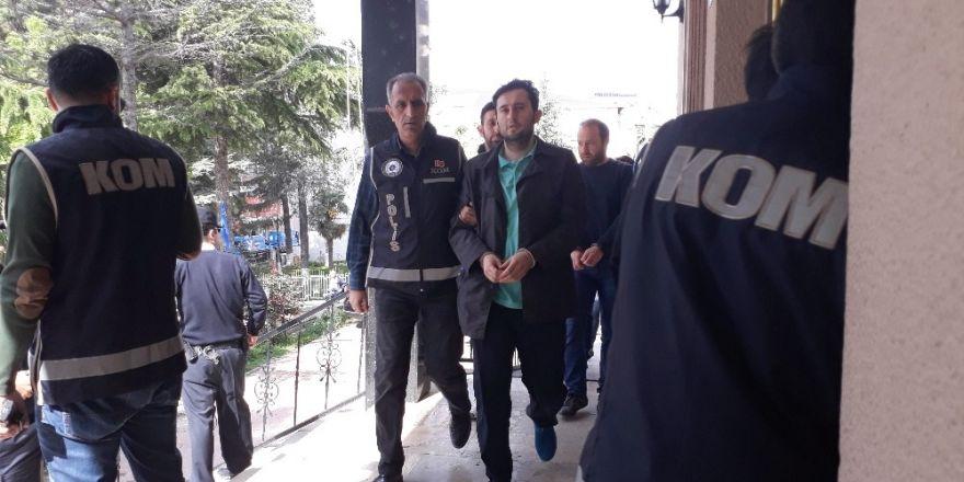 Bilecik'te FETÖ'nün 'Mahrem İmamları' adliye sevk edildi