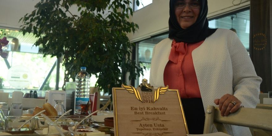 Yılın kahvaltı ödülü Ayten Usta'ya