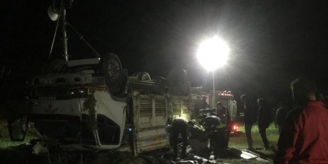 Kaçakları taşıyan kamyon devrildi: 5 ölü, 39 yaralı (2)- (Yeniden)