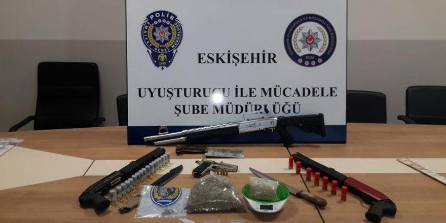 Eskişehir'deki uyuşturucu operasyonunda 10 şahıs yakalandı