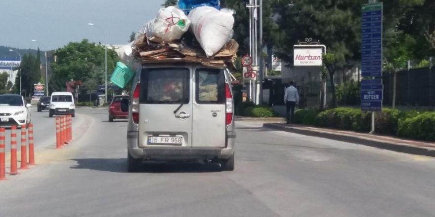 Trafikte tehlikeli görüntüler