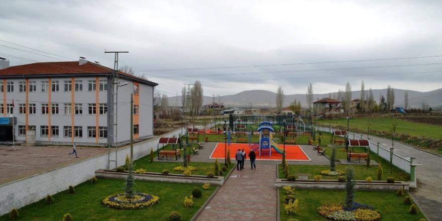 Bünyan Belediyesi Akmescit'te yatırımlara devam ediyor