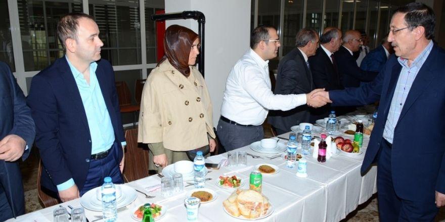 Palandöken Belediyesi yeni meclis salonu mesaisine başladı