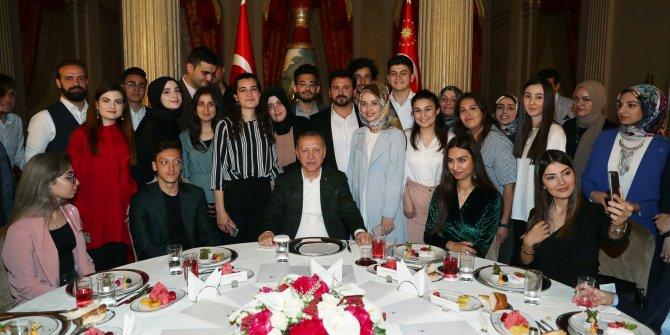 Cumhurbaşkanı Erdoğan, gençlerle buluştu