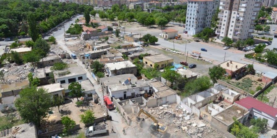 Melikgazi'de mahalleler yenilenerek gelişiyor