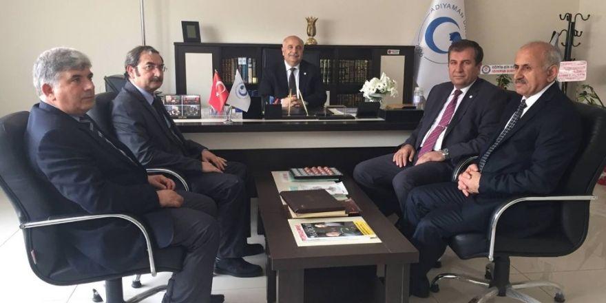 İslami İlimler Fakültesi Dekan Vekilliğine Prof. Dr. Gündoğar atandı