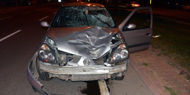Otomobilin çarptığı yaya öldü, araç hurdaya döndü