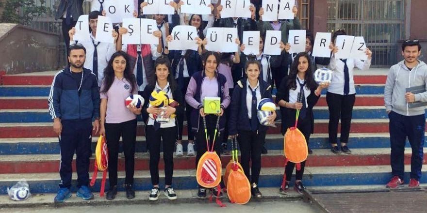 Öğrenciler Diyarbakır ve Şırnak'a dostluk eli uzattı