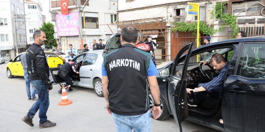 Bursa'da 408 şahıs ve 166 aracın aracın sorgusu yapıldı