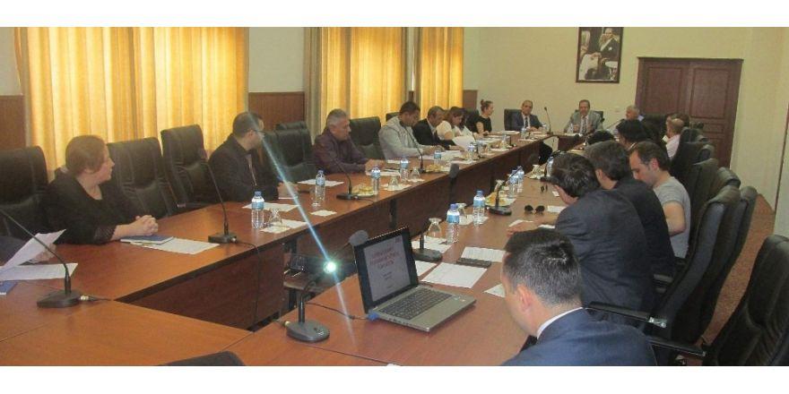 Vali Yardımcısı Günay, Aydın'ın coğrafi işaretli ürünlerine el attı