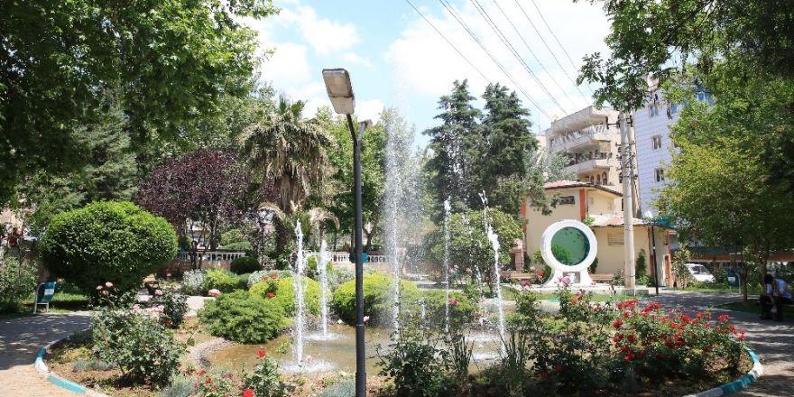 Haliliye'de parklar yaza hazır