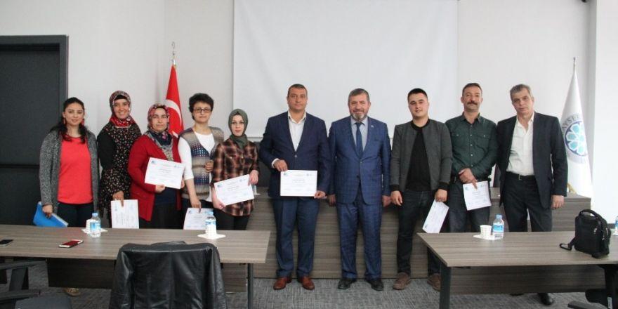 KTO'da Uygulamalı Girişimcilik Eğitimi alan kursiyerlere Sertifikaları verildi