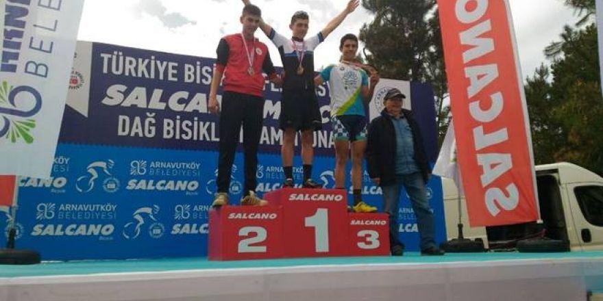 Nilüfer Belediyespor bisiklette yine ödül aldı
