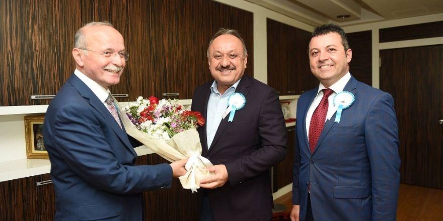Vakıflar Bölge Müdürü Yücebıyık'tan, Belediye Başkanı Babaş'a teşekkür