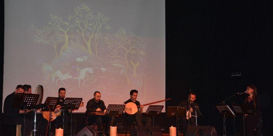 'Dertli Dolap' Yunus Emre Konser ve Şiir Dinletisi