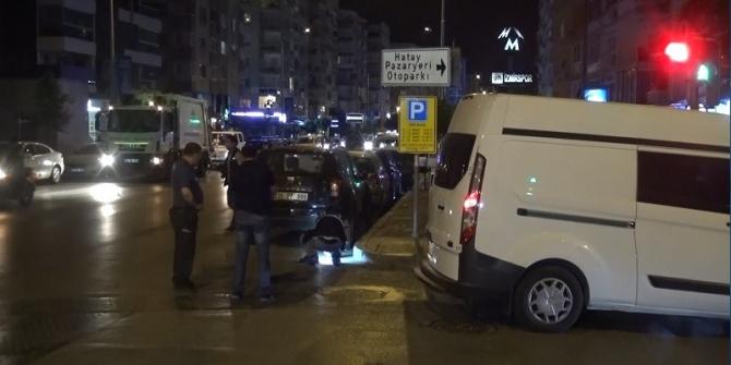 İzmir'de baba ve oğul silahla yaralandı