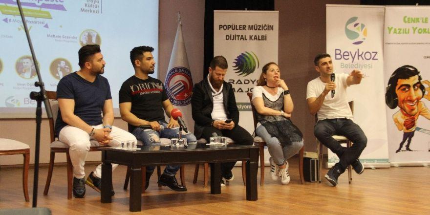 Ünlü radyocu ve sanatçılar ÇOMÜ'de buluştu
