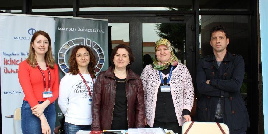 Anadolu Üniversitesi, Kocaeli Üniversitesinde tanıtım standı açtı