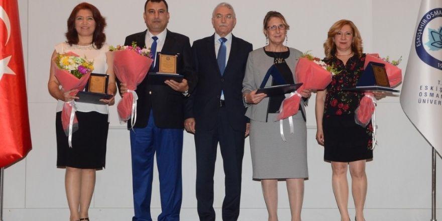 ESOGÜ Hastanesi'nden emekli olanlar için emeklilik töreni