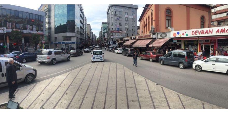 Gazipaşa Caddesi'nin elektrik sistemi yenileniyor