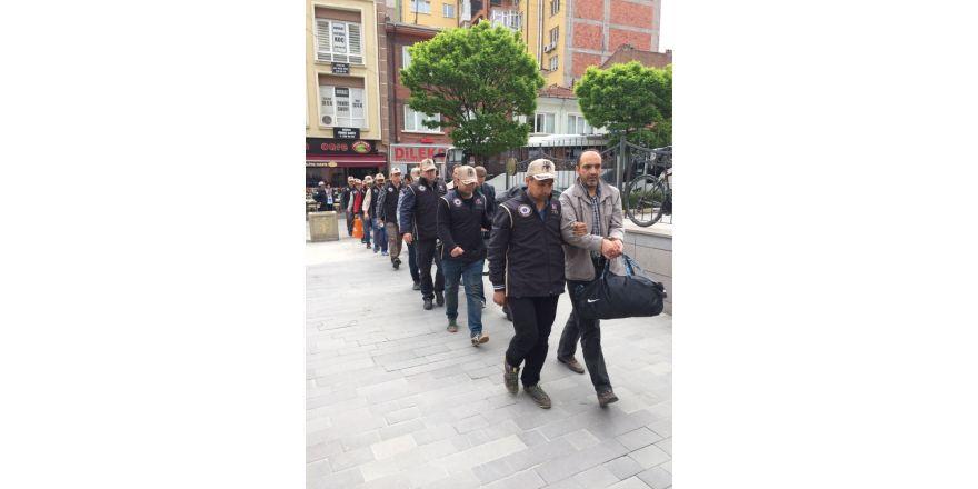 FETÖ'cü polisler adliyeye sevk edildi