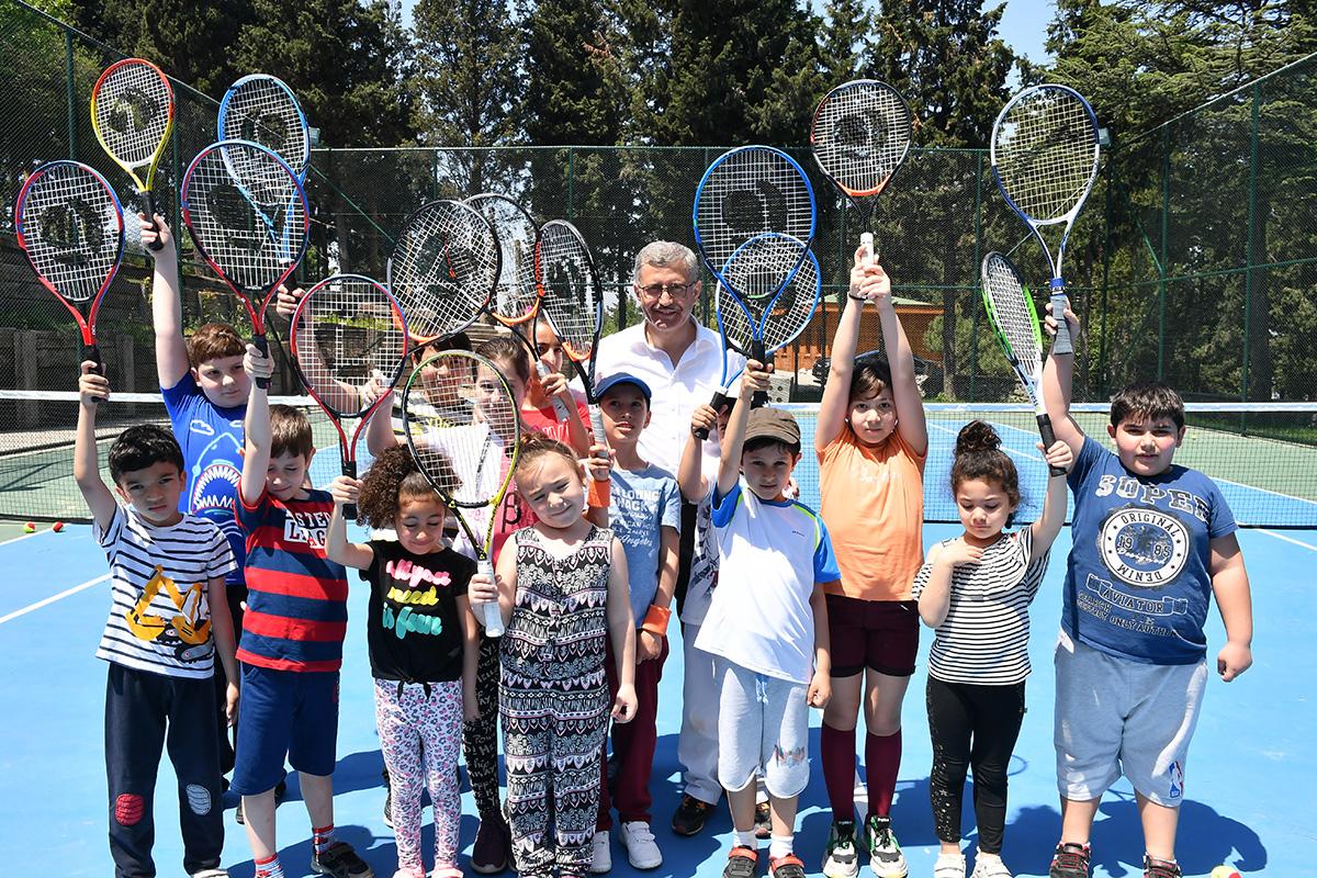Nakkaştepe Millet Bahçesi'nde Tenis dersleri başladı