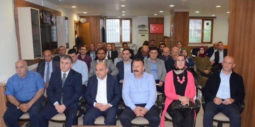 Ak Parti Merkez ilçe danışma toplantısı yapıldı