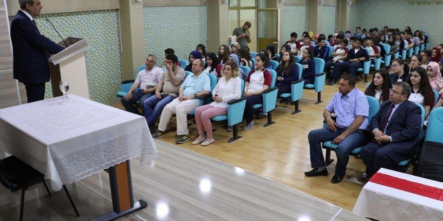 Başkan Demirkol TOBB Fen Lisesi öğrencileriyle buluştu