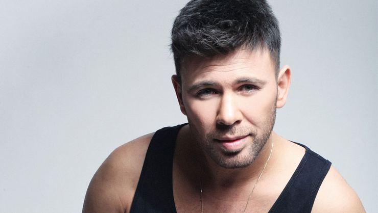 Şarkıcı Berksan trafik kazası geçirdi
