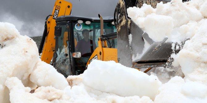 Torosların zirvesindeki Yörüklerin kar esareti bitti