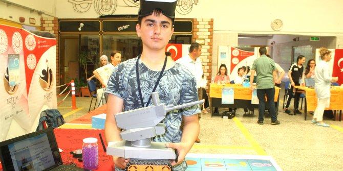 14 yaşındaki öğrenci askeri müdahale robotu yaptı