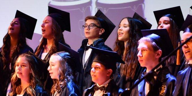İmamoğlu oğlunun mezuniyet törenine katıldı