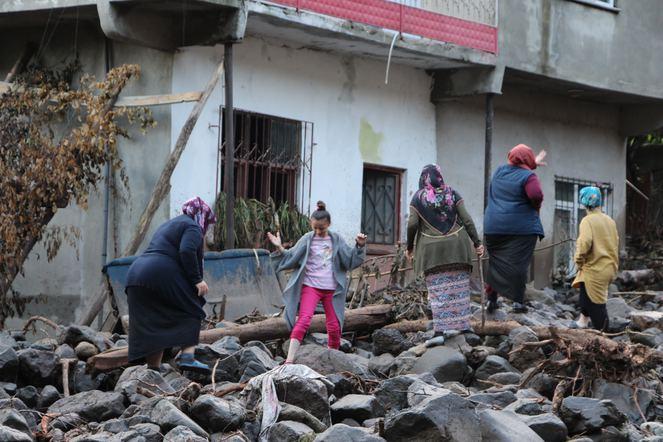 Trabzon Araklı sel felaketinde ölü sayısı 4'e yükseldi!
