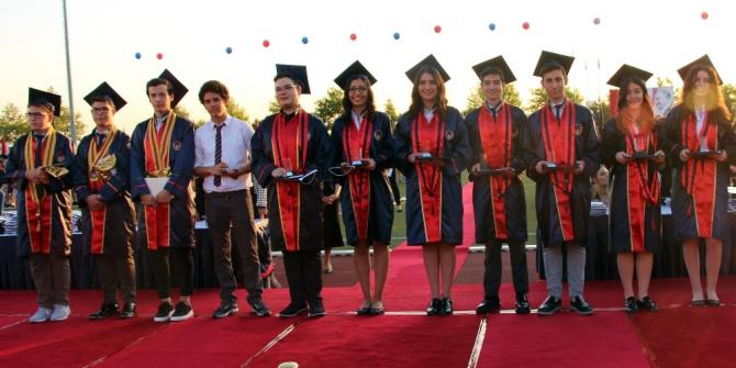 TED Ankara koleji 88. yıl mezunlarını verdi