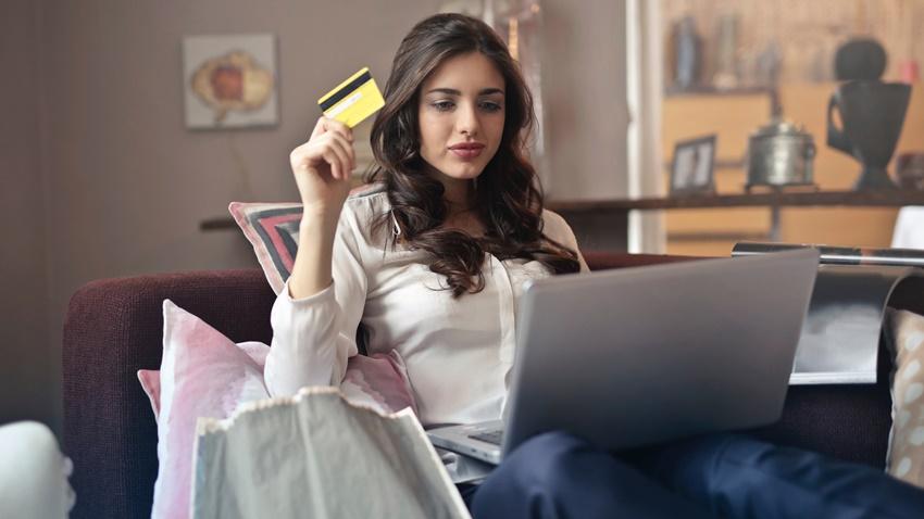 Dikkat! İnternet alışverişleri mesai sonrası artıyor