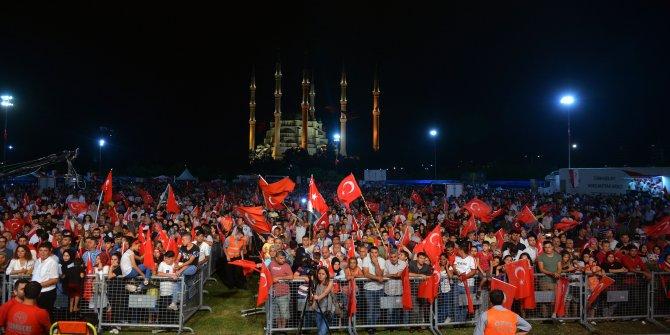 Adana'da 15 Temmuz anma etkinliğine on binler katıldı