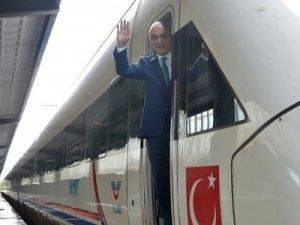 Antalya-İstanbul hızlı trenle 4,5 saate inecek