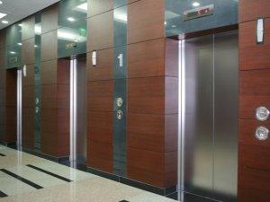 Apartmanlarda asansör kavgası bitiyor
