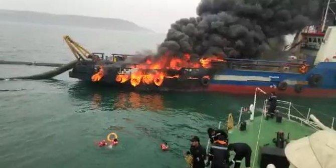 Balıkçı teknesi yandı: Denize atlayan mürettebat böyle kurtarıldı