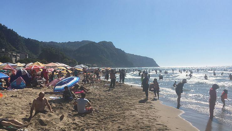 Bartın'da sahiller dolup taştı