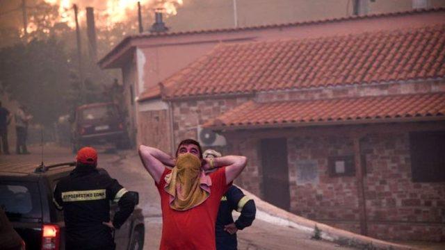 Yunanistan'da olağanüstü hal ilan edildi