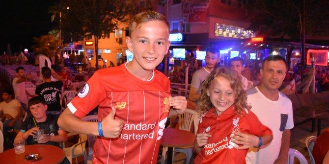 Marmaris'te İngiliz taraftarlar Liverpool'un zaferiyle coştu