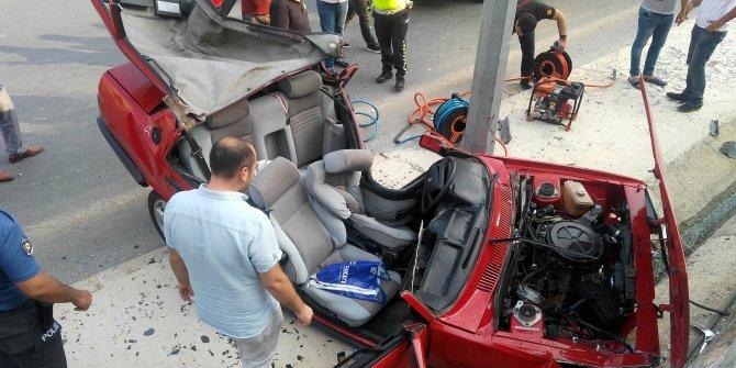 Kontrolden çıkan otomobil aydınlatma direğine çarptı: 1 yaralı