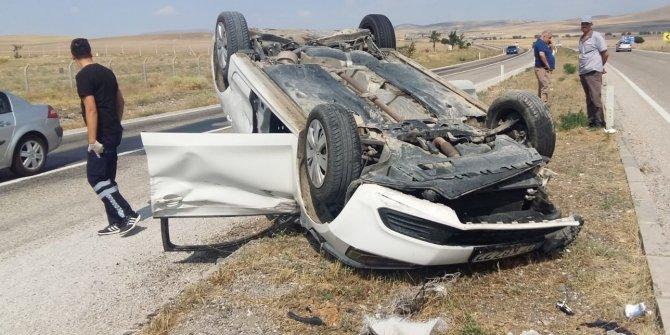 Aksaray'da otomobil ile traktör çarpıştı: 5 yaralı