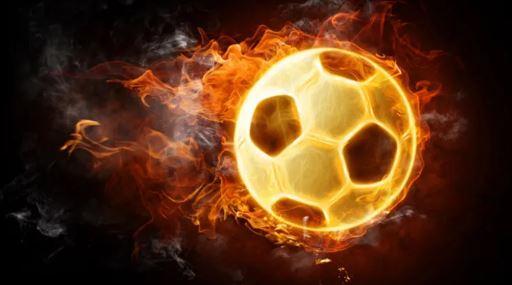Milli futbolcumuz hastaneye kaldırıldı