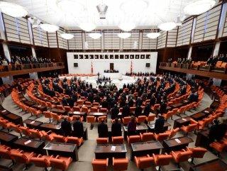 Seçimlerde Meclis'e giren kadın vekil sayısı yükseldi