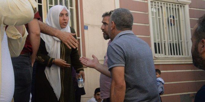 Diyarbakır'da HDP önünde bir aile daha oturma eylemi başlattı (2)