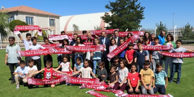 Şırnaklı öğrencilerden Sivasspor'a ziyaret